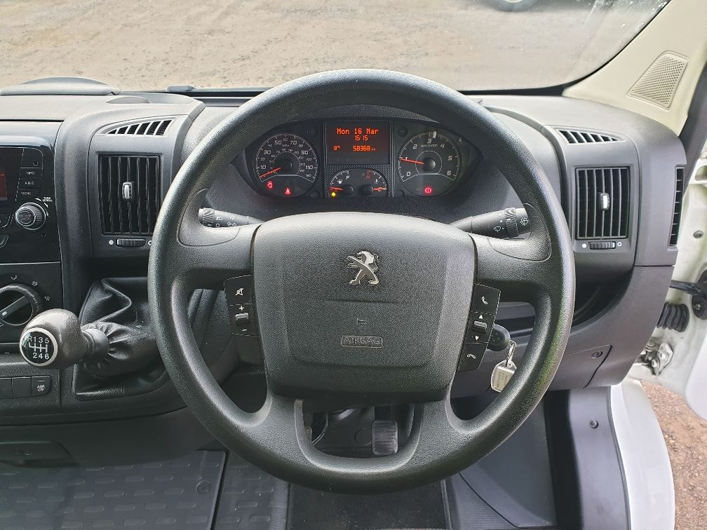 2017 Peugeot Boxer 2.0 Bluehdi H2 Van 130Ps (NX67YVU) Image 17
