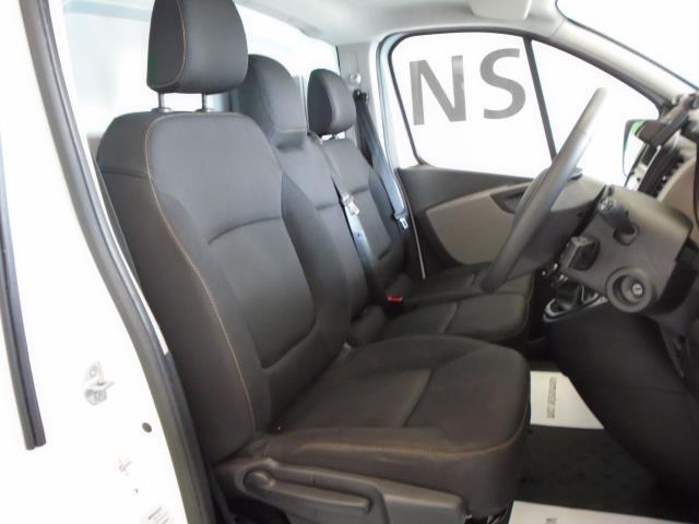 2017 Renault Trafic SL27 DCi 120 BUSINESS+  AirCon Parking Sensors (SE17CXG) Image 5