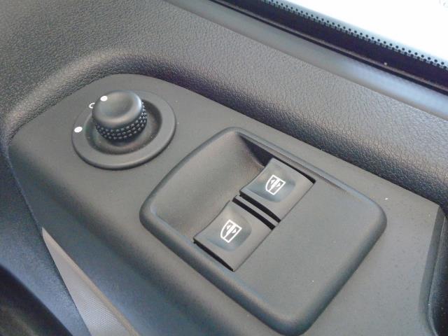 2017 Renault Trafic SL27 DCi 120 BUSINESS+  AirCon Parking Sensors (SE17CXG) Image 12