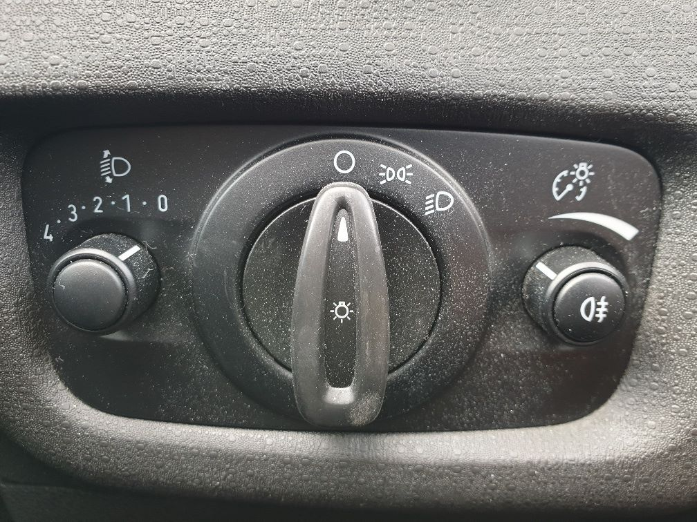 2015 Ford Fiesta DIESEL 1.5 TDCI VAN EURO 5 * SPEED LIMITER SET AT 70MPH * (WN15KCG) Image 18