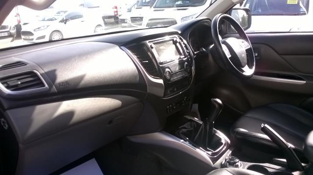2016 Mitsubishi L200 DOUBLE CAB DI-D 178 WARRIOR 4WD EURO 6  (WN66WWX) Image 7