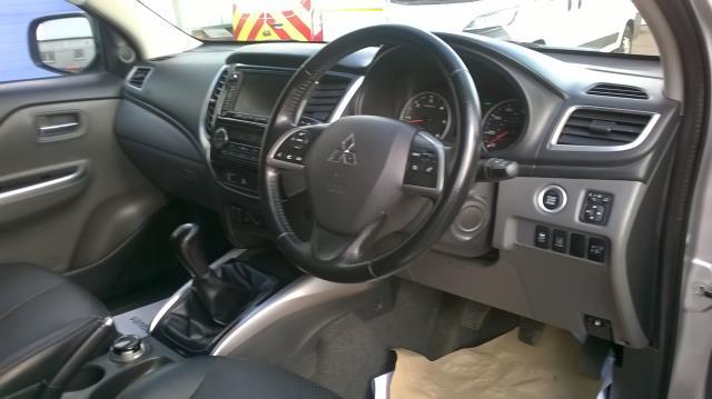2016 Mitsubishi L200 DOUBLE CAB DI-D 178 WARRIOR 4WD EURO 6  (WN66WWX) Image 23