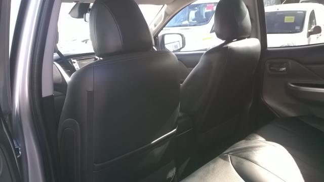 2016 Mitsubishi L200 DOUBLE CAB DI-D 178 WARRIOR 4WD EURO 6  (WN66WWX) Image 10
