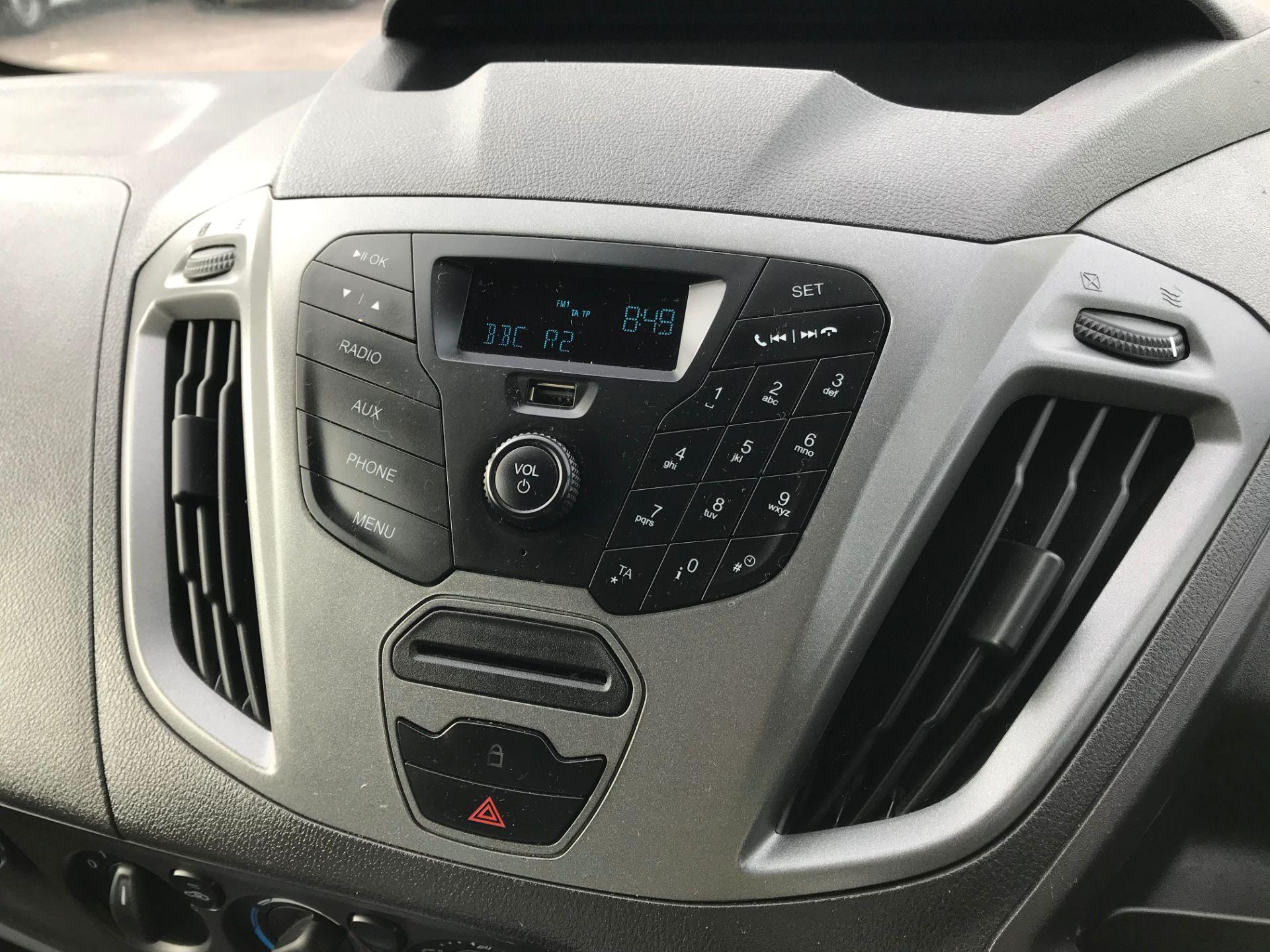 2015 Ford Transit Custom  290 L1  FWD 2.2 TDCI 100PS L/R EURO 5  (WV65GXL) Image 25