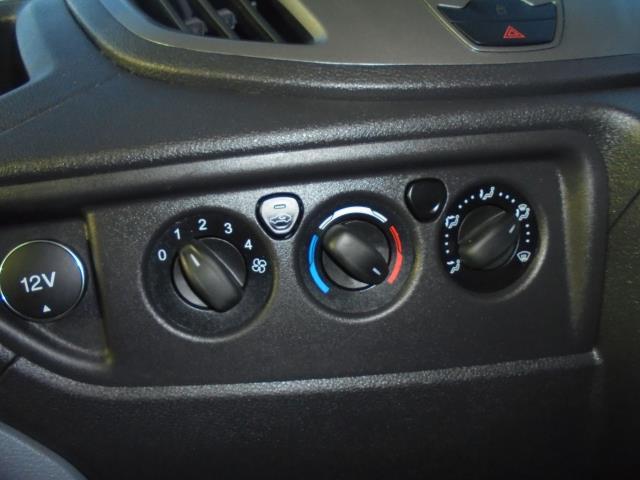 2015 Ford Transit  350 L2 SINGLE CAB TIPPER 125PS EURO 5 (WV65UFY) Image 19