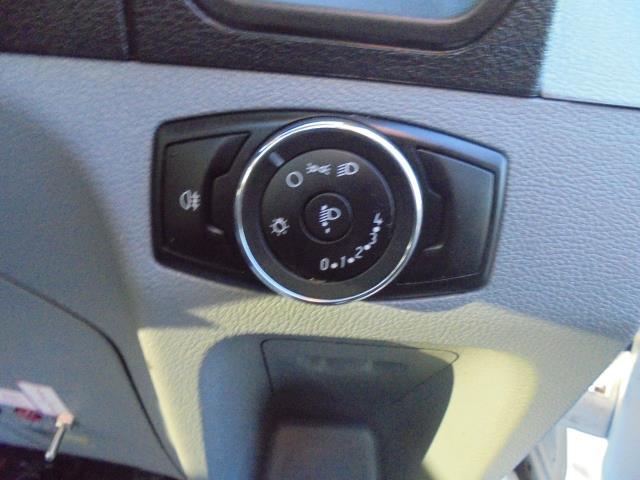 2015 Ford Transit  350 L2 SINGLE CAB TIPPER 125PS EURO 5 (WV65UFY) Image 15