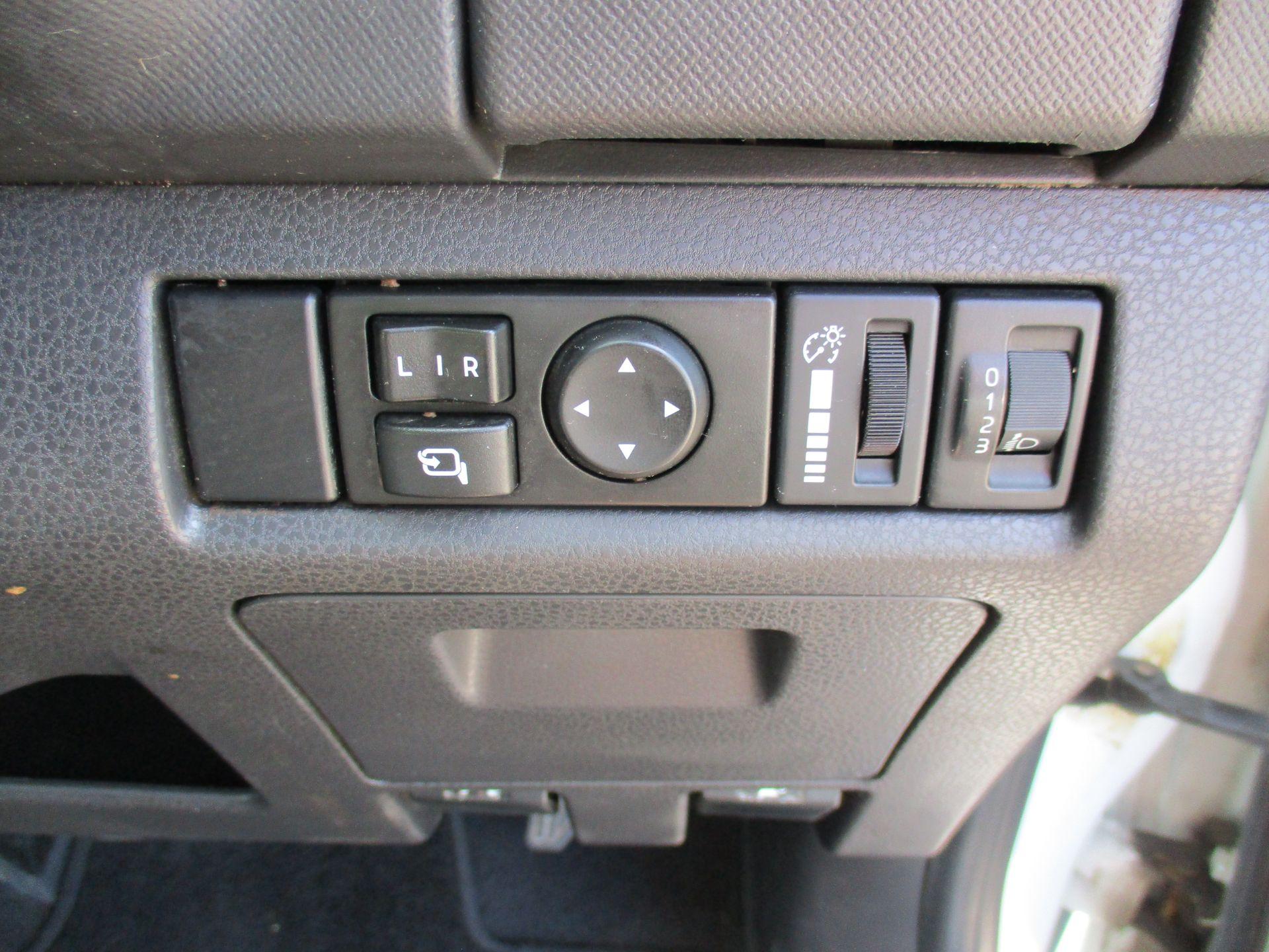 2016 Isuzu D-Max 2.5Td Yukon Double Cab 4X4 (YD66XHG) Image 19