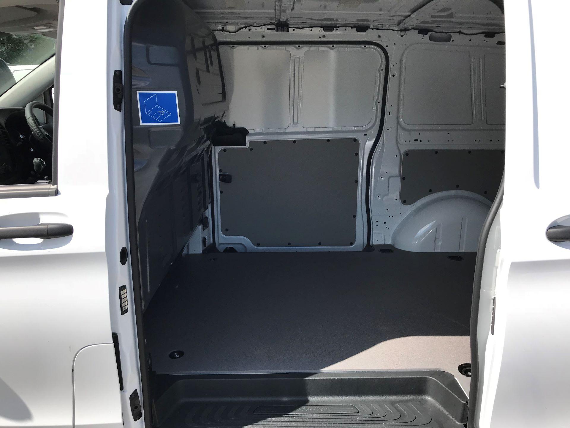 2019 Mercedes-Benz Vito 111Cdi Van Euro 6 Massive specification A/C (YM19FPU) Image 5