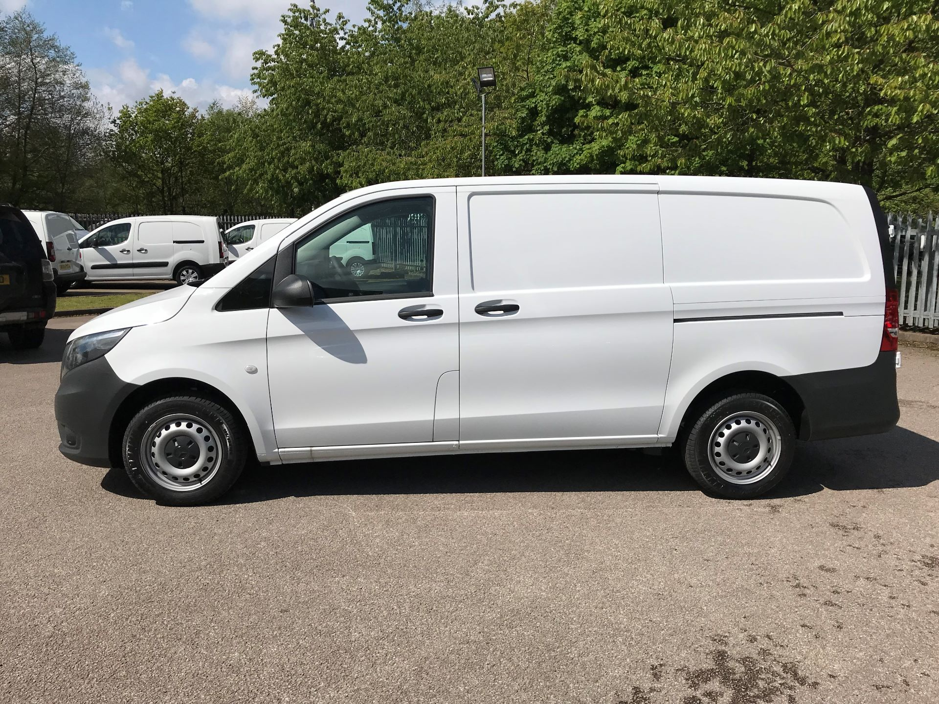 2019 Mercedes-Benz Vito 111Cdi Van Euro 6 Massive specification A/C (YM19HFV) Image 3